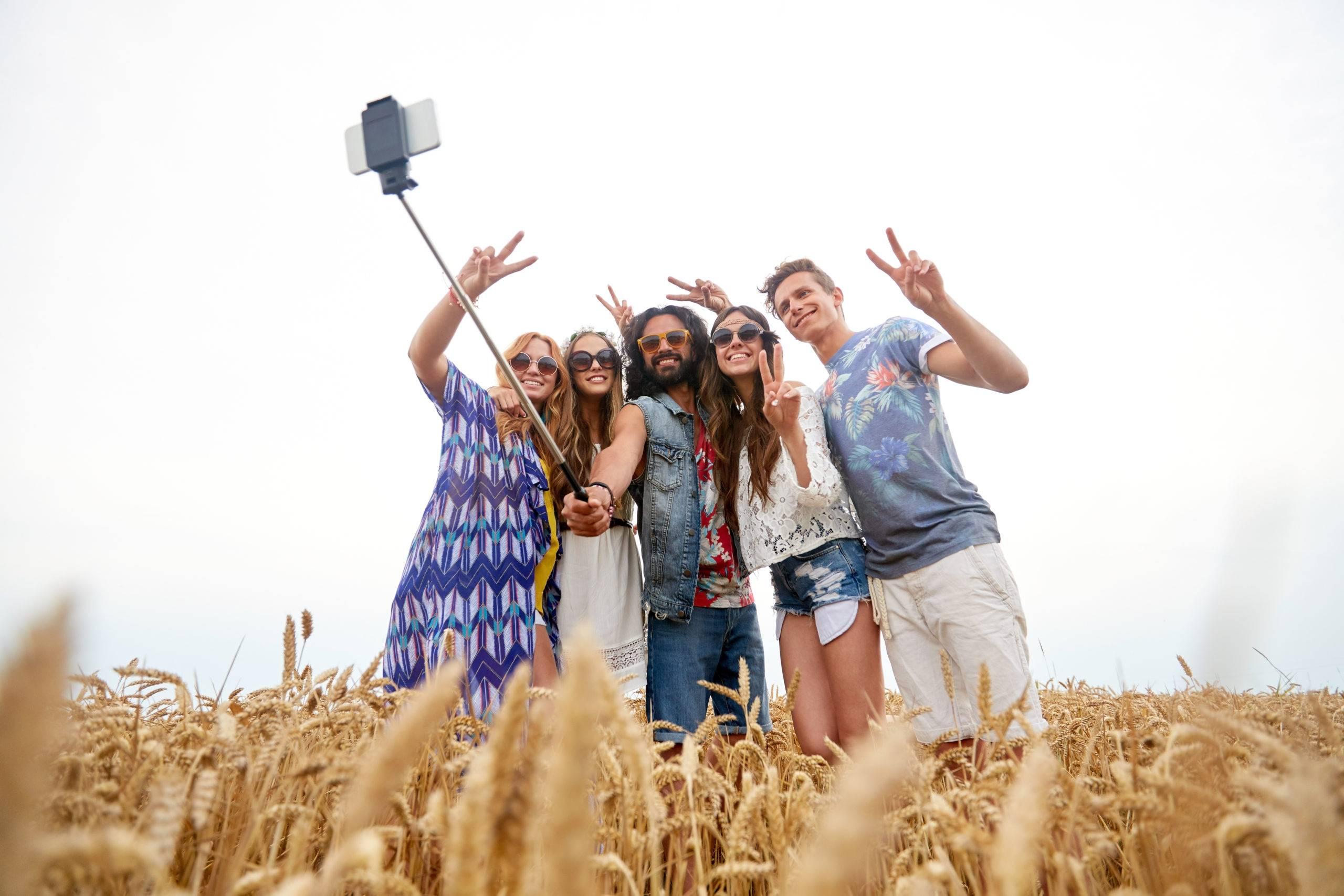 Best Selfie Sticks to Buy in 2018